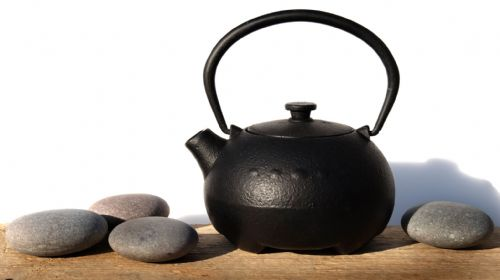 Small Cast iron Sapporo black teapot 0.3L – a one person Tetsubin Japanese style tea pot kettle